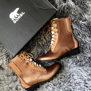 Sorel Rare Edition Phoenix Lace Sherling Boot